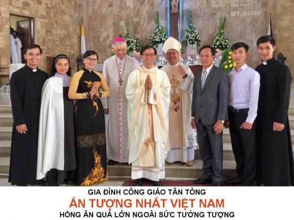 gia dinh cong giao an tuong 600x450 - Gia Đình Công Giáo Có 5 Người Con Đi Tu Ấn Tượng Nhất Việt Nam