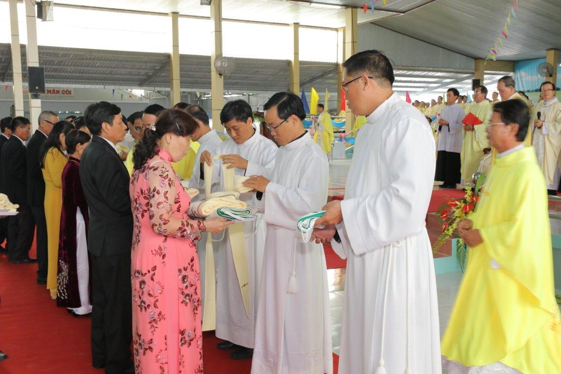 gp long xuyen thanh le phong chuc linh muc 2018 768 13 - Gp Long Xuyên Thánh lễ Phong chức linh mục 2018