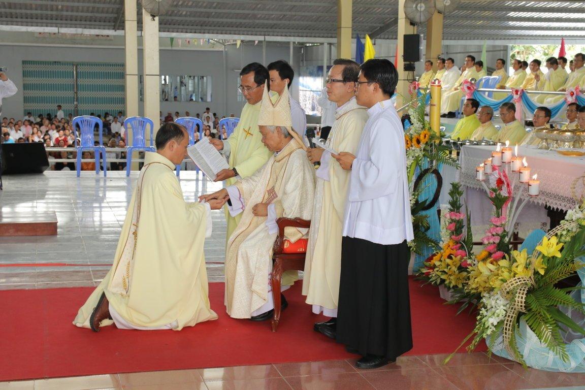 gp long xuyen thanh le phong chuc linh muc 2018 768 14 - Gp Long Xuyên Thánh lễ Phong chức linh mục 2018