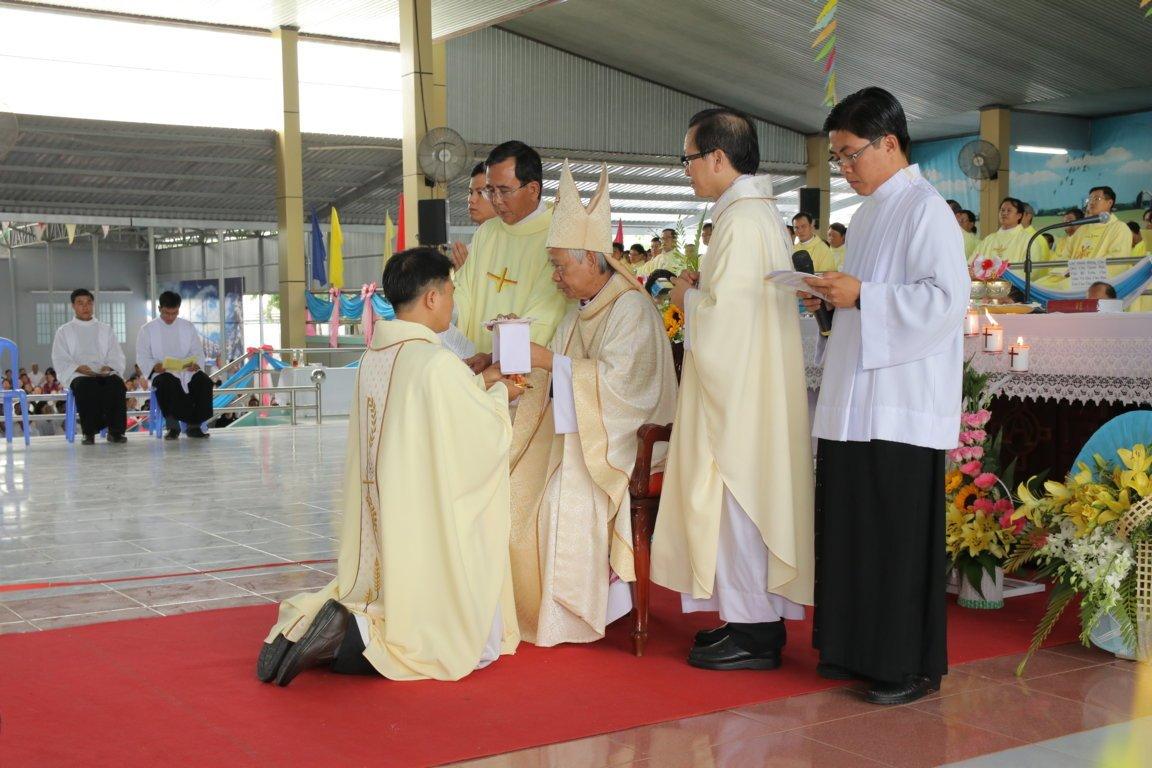 gp long xuyen thanh le phong chuc linh muc 2018 768 17 - Gp Long Xuyên Thánh lễ Phong chức linh mục 2018