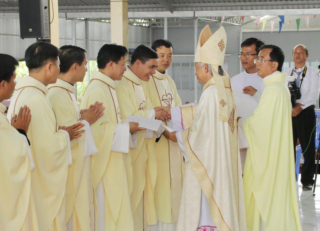gp long xuyen thanh le phong chuc linh muc 2018 768 21 - Gp Long Xuyên Thánh lễ Phong chức linh mục 2018