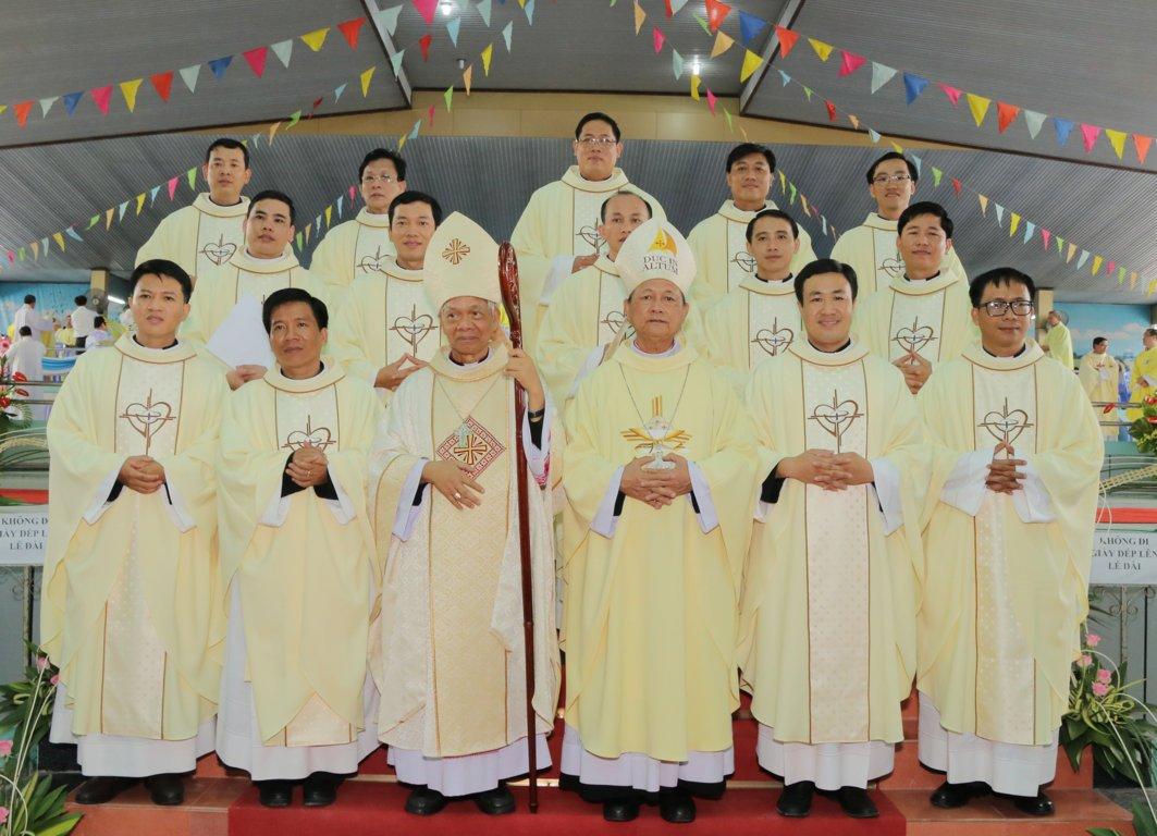 gp long xuyen thanh le phong chuc linh muc 2018 768 22 - Gp Long Xuyên Thánh lễ Phong chức linh mục 2018