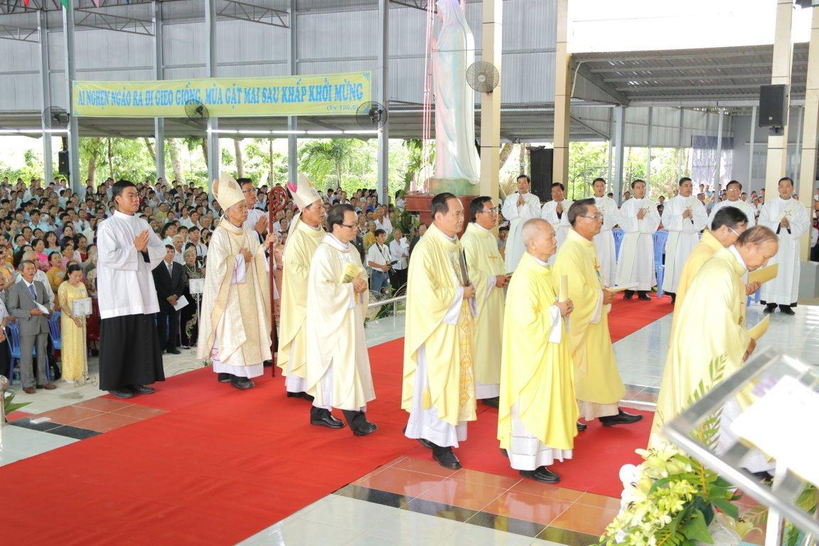 gp long xuyen thanh le phong chuc linh muc 2018 768 3 - Gp Long Xuyên Thánh lễ Phong chức linh mục 2018