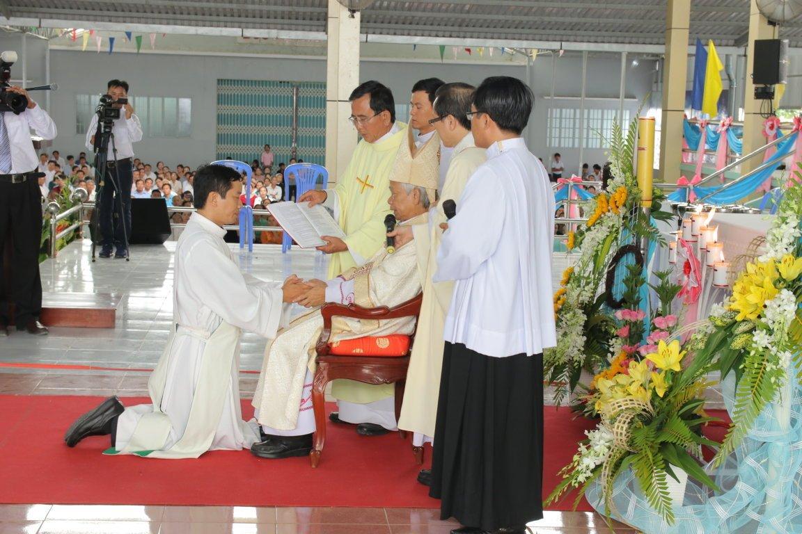 gp long xuyen thanh le phong chuc linh muc 2018 768 6 - Gp Long Xuyên Thánh lễ Phong chức linh mục 2018