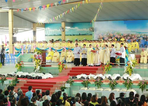 gp long xuyen thanh le phong chuc linh muc 2018 768 - Gp Long Xuyên Thánh lễ Phong chức linh mục 2018