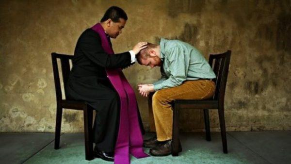 Tại sao phải xưng tội với một Linh mục?