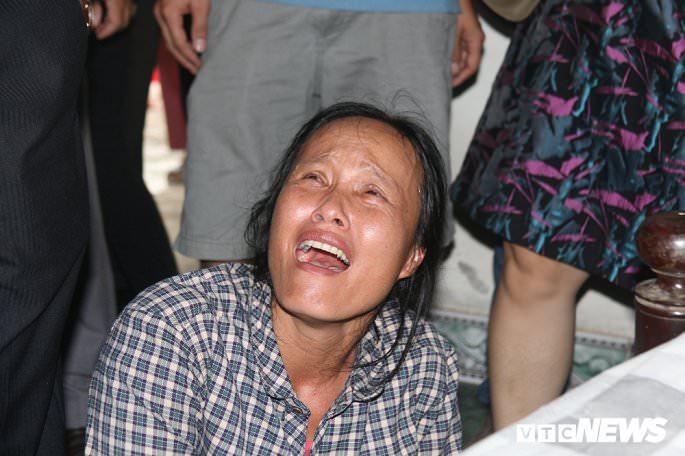 cau nguyen cho 13 nguoi qua doi noi nu cuoi hoa nuoc mat dau thuong 838 3 - Cầu nguyện cho 13 người qua đời: Nơi nụ cười hoá nước mắt đau thương