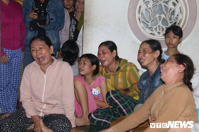 cau nguyen cho 13 nguoi qua doi noi nu cuoi hoa nuoc mat dau thuong 838 4 - Cầu nguyện cho 13 người qua đời: Nơi nụ cười hoá nước mắt đau thương