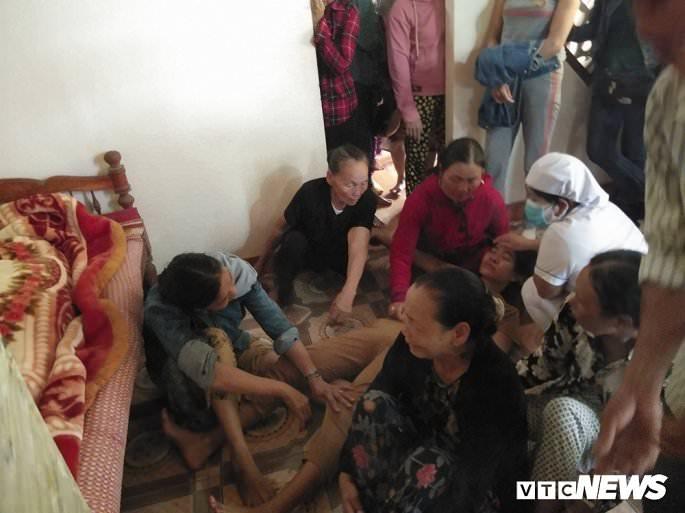 cau nguyen cho 13 nguoi qua doi noi nu cuoi hoa nuoc mat dau thuong 838 6 - Cầu nguyện cho 13 người qua đời: Nơi nụ cười hoá nước mắt đau thương
