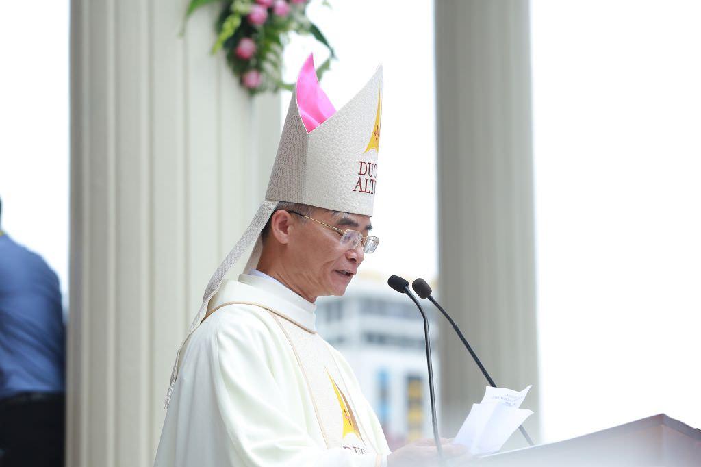 Đại Lễ Tấn Phong Đức Giám Mục Thanh Hóa Giuse Nguyễn Đức Cường 8