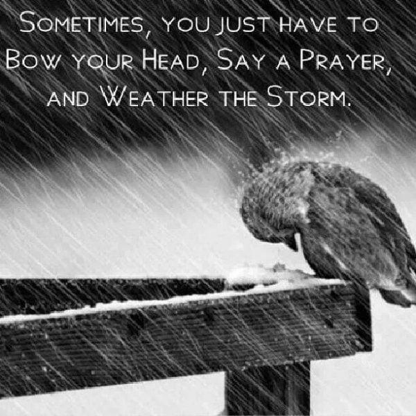 Cầu nguyện trong cơn bão tố cuộc đời