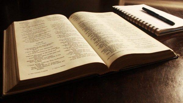 thanh kinh la sach duoc nguoi philippines doc nhieu nhat 600x337 - Thánh kinh là sách được người Philippines đọc nhiều nhất