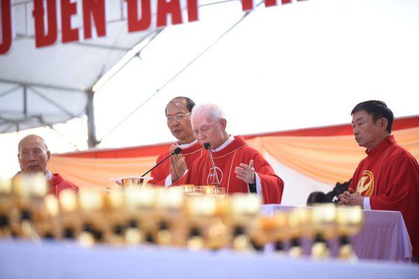 """Xuân Lộc Cử Hành """" Ngày Giáo Phận"""" và Thánh Lễ Bế Mạc Năm Thánh Các Thánh Tử Đạo Việt Nam tại Trung Tâm Đức Mẹ Núi Cúi 2"""