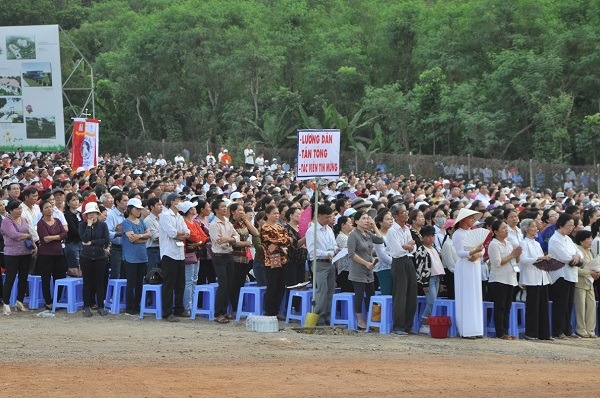 """60 - Xuân Lộc Cử Hành """" Ngày Giáo Phận"""" và Thánh Lễ Bế Mạc Năm Thánh Các Thánh Tử Đạo Việt Nam tại Trung Tâm Đức Mẹ Núi Cúi"""