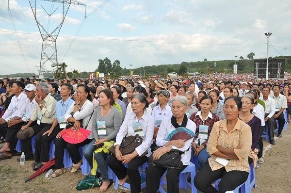 """84 - Xuân Lộc Cử Hành """" Ngày Giáo Phận"""" và Thánh Lễ Bế Mạc Năm Thánh Các Thánh Tử Đạo Việt Nam tại Trung Tâm Đức Mẹ Núi Cúi"""