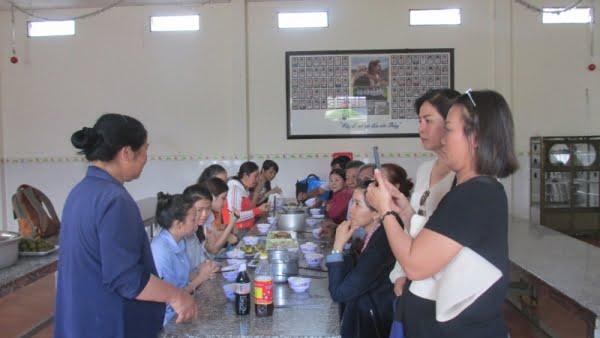 IMG 0240 0 - Giáo xứ Tân Phú: Nhóm Tự nguyện thăm mái ấm Tín Thác