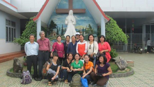 IMG 0252 0 - Giáo xứ Tân Phú: Nhóm Tự nguyện thăm mái ấm Tín Thác