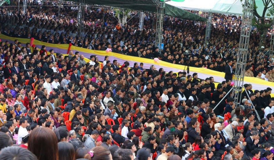 Vinh 04 - GP.VINH: Thánh lễ truyền chức Linh mục và Bế mạc Năm Thánh mừng kính các Thánh Tử đạo Việt Nam
