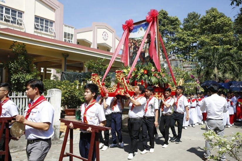 XuanLoc HuynhTruong 04 - Họp mặt và mừng bổn mạng Giáo lý viên - GP Xuân Lộc