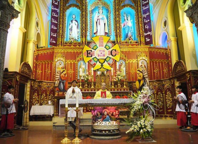 ban tho - Thánh Danh: Các em xưng tội, rước lễ lần đầu