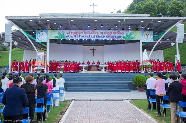 Bế Mạc Năm Thánh Mừng Các Thánh Tử Đạo Việt Nam tại Tàpao