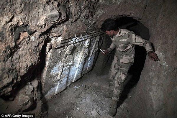 bi an duoi mo tien tri giona 5 600x400 - Bí ẩn dưới mộ tiên tri Giôna