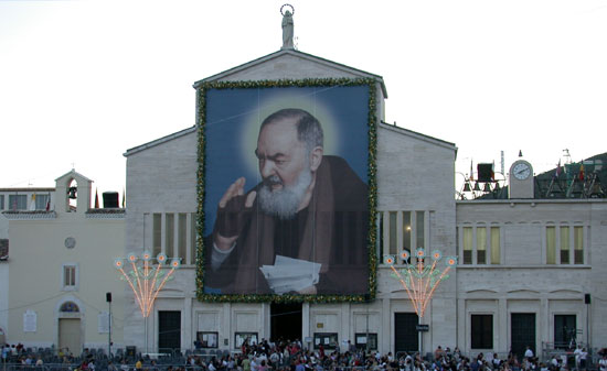 Các phép lạ đầy hài hước của Cha Pio 3
