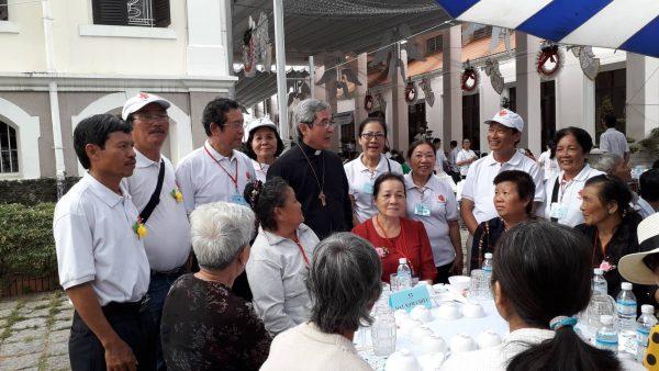 caritas sai gon va ngay the gioi nguoi ngheo 600x338 - Caritas Sài Gòn và Ngày thế giới người nghèo