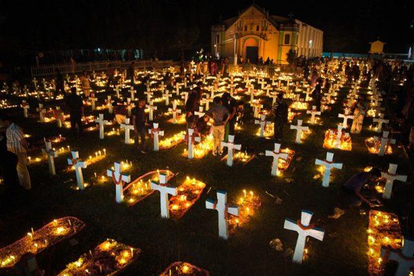 cau nguyen cho cac linh hon 600x400 - Cầu nguyện cho các Linh Hồn