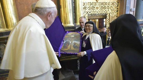 dgh gap cac nu tu chiem niem vatican media 600x337 - ĐGH đề cao đời sống chiêm niệm trong Giáo Hội