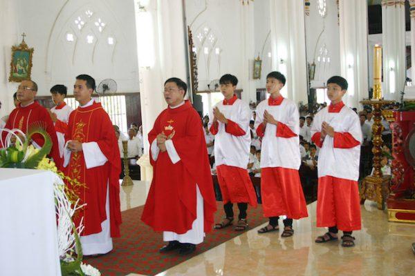 Giáo xứ Phong Lâm hành hương về xứ Mẹ 3