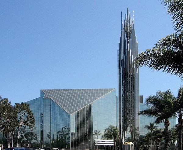 nha tho duc kito - Những ngôi thánh đường ở Hollywood