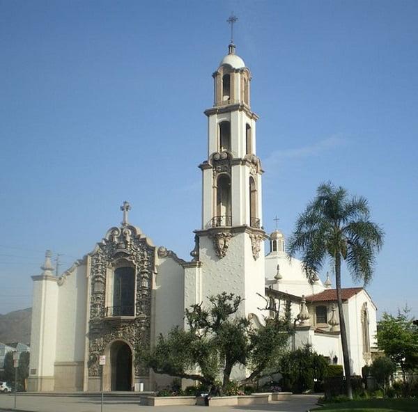 nha tho thanh charles borromeo - Những ngôi thánh đường ở Hollywood