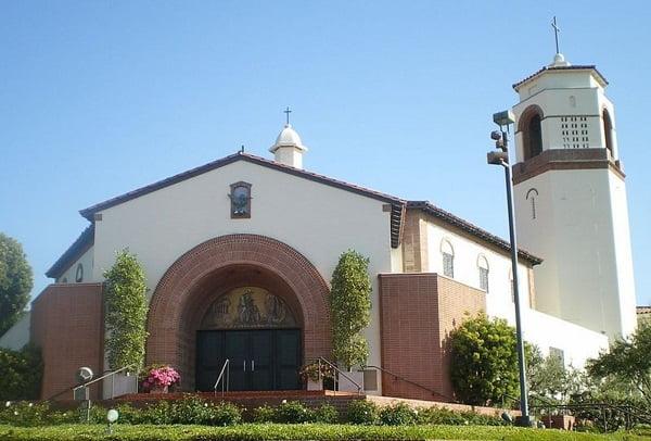 nha tho thanh martin thanh tours - Những ngôi thánh đường ở Hollywood