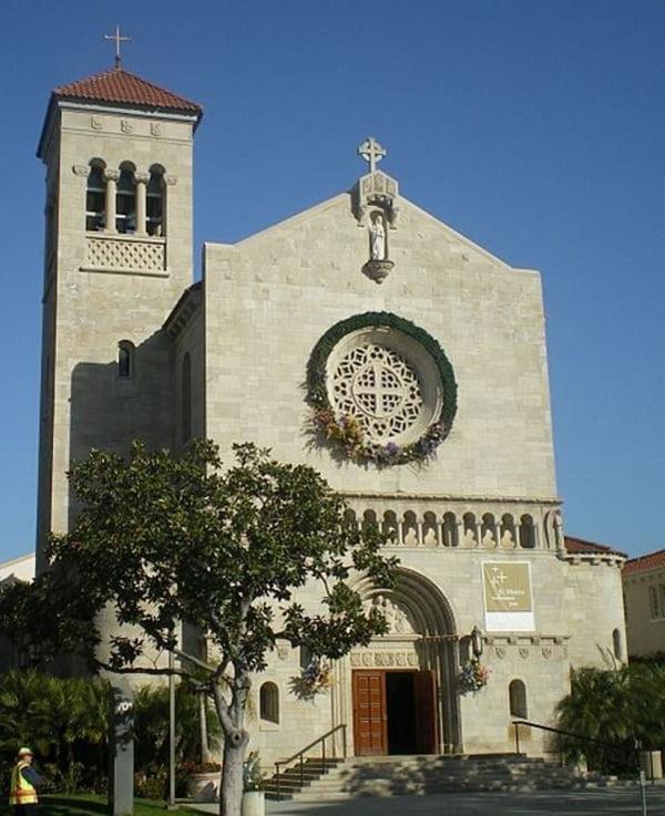 nha tho thanh monica - Những ngôi thánh đường ở Hollywood