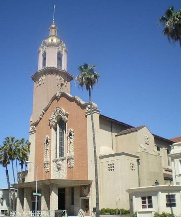 nha tho thanh the - Những ngôi thánh đường ở Hollywood