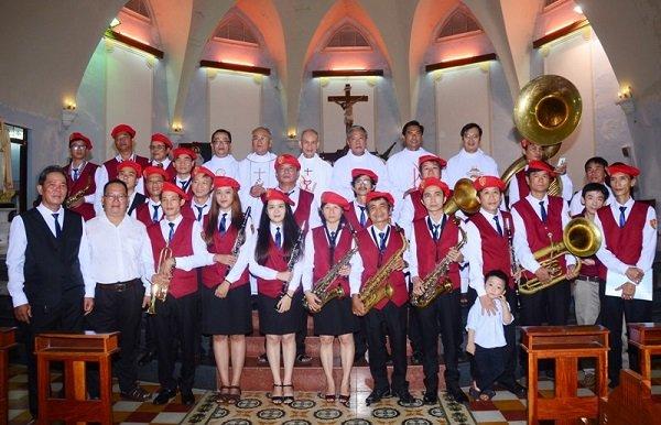 Nhạc đoàn Nắng Mai của giáo xứ 2