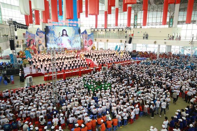 sphi5079 - Đại hội Giới trẻ giáo tỉnh Miền Bắc lần thứ XVI: Nghi thức khai mạc