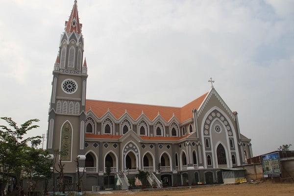 thanh duong giao xu dong quang hoan thanh - Thánh đường giáo xứ Đông Quang hoàn thành