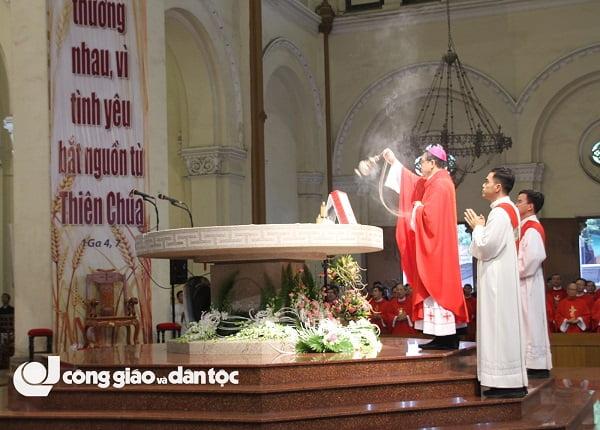 thanh le be mac nam thanh kinh cac thanh tdvn tai nha tho duc ba sai gon 1 - Thánh lễ bế mạc Năm thánh kính Các Thánh TĐVN tại nhà thờ Đức Bà Sài Gòn