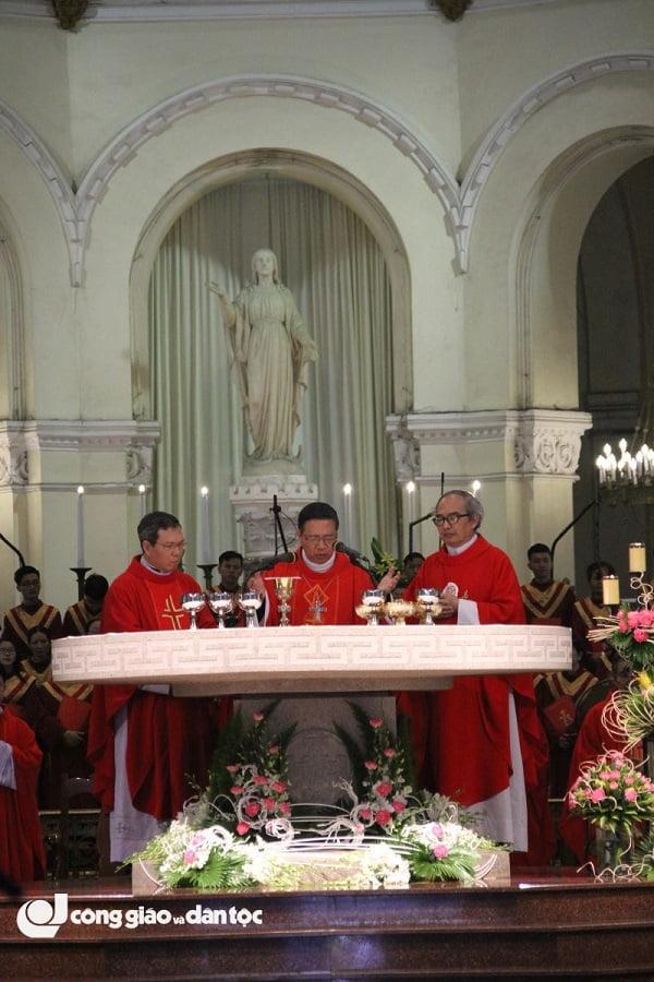 thanh le be mac nam thanh kinh cac thanh tdvn tai nha tho duc ba sai gon 6 - Thánh lễ bế mạc Năm thánh kính Các Thánh TĐVN tại nhà thờ Đức Bà Sài Gòn