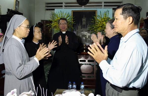 ve lang sat noi da dong gop cho giao hoi 56 vi muc tu cung 77 tu si nam nu dang hoat dong khap noi 3 - Về làng Sặt  - nơi đã đóng góp cho giáo hội 56 vị mục tử cùng 77 tu sĩ nam nữ đang hoạt động khắp nơi