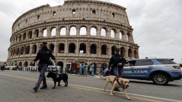 dau truong colosseum duoc chieu sang de keu goi bai bo an tu hinh 600x338 - Đấu trường Colosseum được chiếu sáng để kêu gọi bãi bỏ án tử hình