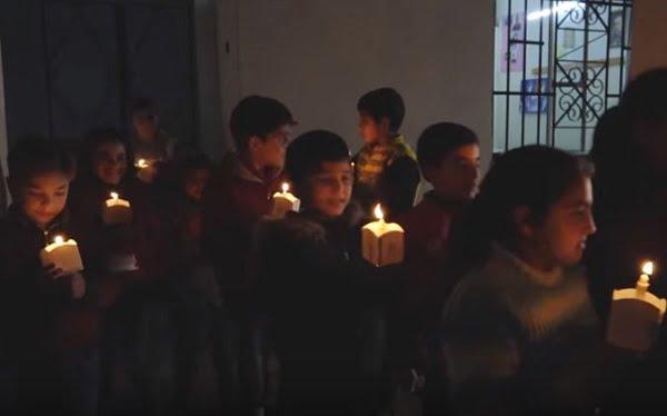 """Đức Phanxicô cổ võ """"Những ngọn nến vì hòa bình ở Syria"""" 2"""