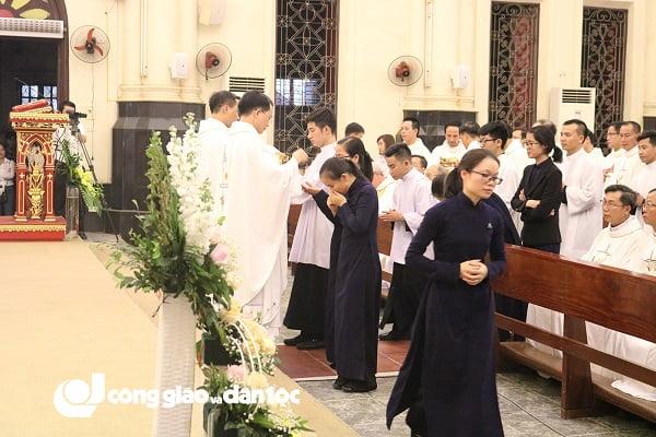 Đức tổng Giuse Vũ Văn Thiên dâng lễ tạ ơn kết thúc sứ vụ chủ chăn Giáo phận Hải Phòng 12