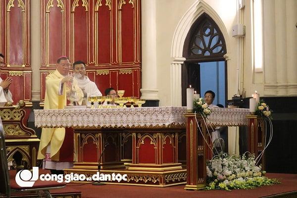 Đức tổng Giuse Vũ Văn Thiên dâng lễ tạ ơn kết thúc sứ vụ chủ chăn Giáo phận Hải Phòng 9