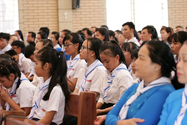 gioi tre con duc me mien sai gon mung bon mang 6 - Giới trẻ Con Đức Mẹ miền Sài Gòn mừng bổn mạng