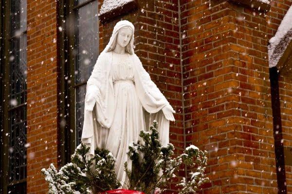 nhung buc tuong duc me dep tuyet my 12 - Những bức tượng Đức Mẹ đẹp tuyệt mỹ