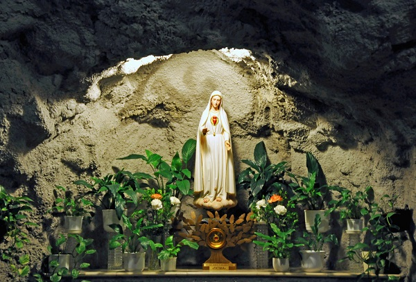 nhung buc tuong duc me dep tuyet my 13 - Những bức tượng Đức Mẹ đẹp tuyệt mỹ