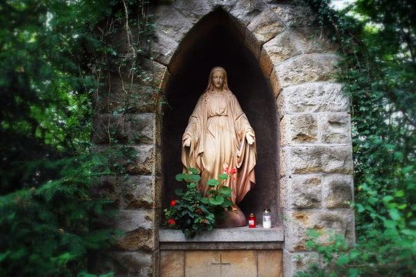 nhung buc tuong duc me dep tuyet my 14 - Những bức tượng Đức Mẹ đẹp tuyệt mỹ